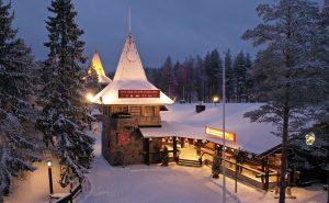 Das Hauptpostamt des Weihnachtsmann` im Weihnachtsmanndorf in Rovaniemi in Lappland