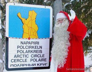 Weihnachtsmann und der Polarkreis in Lappland in Finnland
