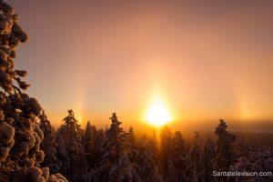 Phénomène de halo en Laponie en Finlande