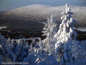 Paysage hiverale à Levi station de ski en Laponie, Finlande