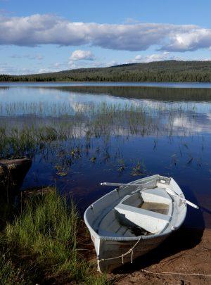 Le lac Puolamajarvi à Pello, capital de la pêche en Laponie, Finlande