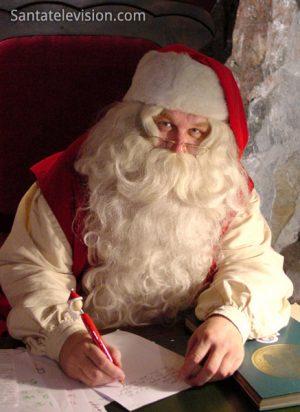 Papá Noel Santa Claus vive en Rovaniemi, Laponia Finlandia